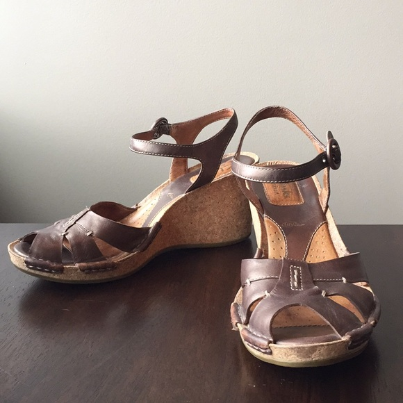 37bb11720a3d6 Clarks Shoes | Artisan Leather Wedge Sandals | Poshmark